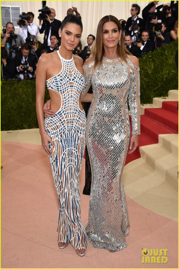 cindy-crawford-is-a-balmain-babe-at-met-gala-2016-05